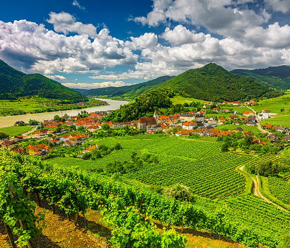 World cultural heritage and feel-good area - that is the Wachau