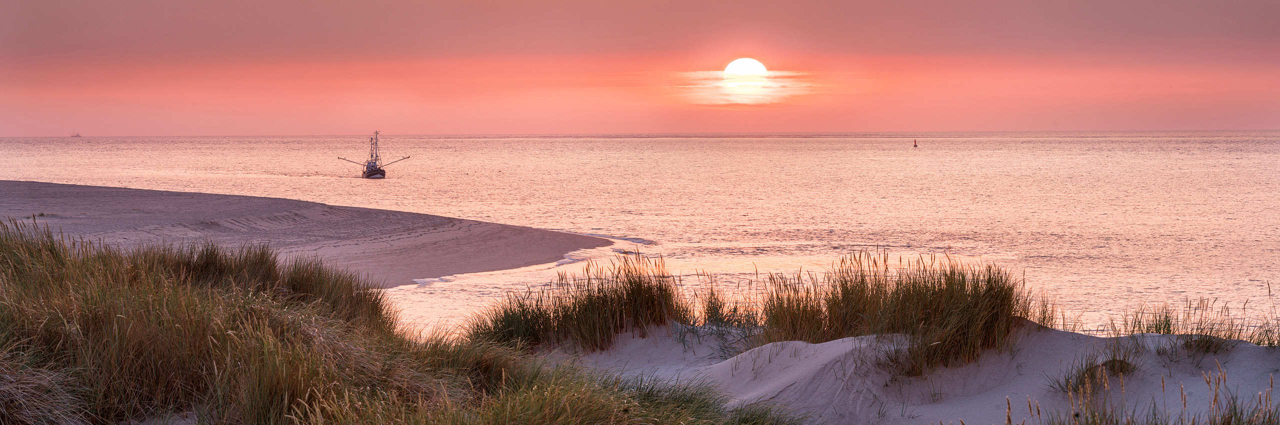 20553496 | GER/Sylt Island, List, Beach on Ellenbogen at Sunset | © Rainer Mirau/HUBER IMAGES
